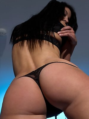 A steamy hot series with the horny Jericca, posing provocatively with her gorgeous body then self-masturbates with a red dildo satisfying her lust.
